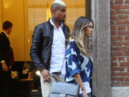Melissa Satta, look mimetico per lo shopping con Boateng  portaborse 
